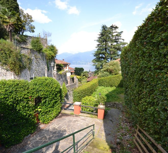 apartment with garden for sale