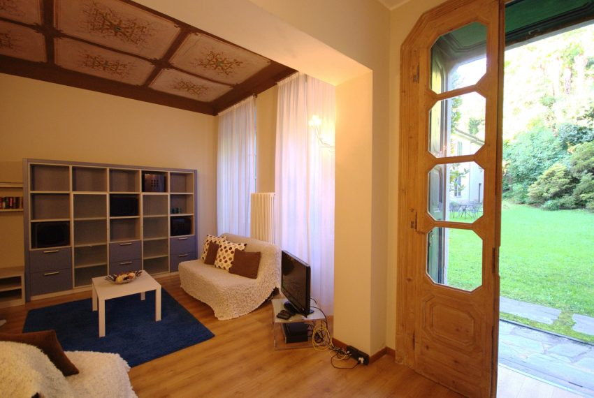 Griante apartments in lake front villa (6)