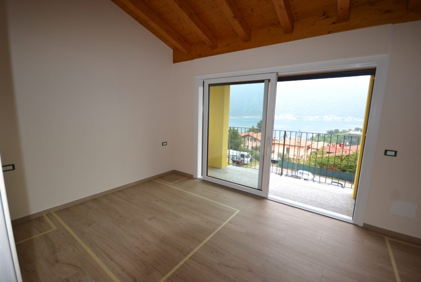 Ossuccio Lake Como brand new house for sale (6)