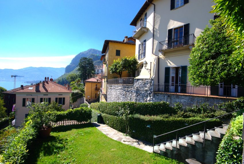 menaggio historical villa close to the centre, with garden terrace, lake view and parking spaces (1)