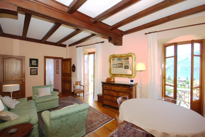 menaggio historical villa close to the centre, with garden terrace, lake view and parking spaces (14)