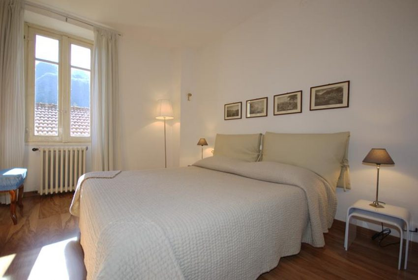 menaggio historical villa close to the centre, with garden terrace, lake view and parking spaces (20)