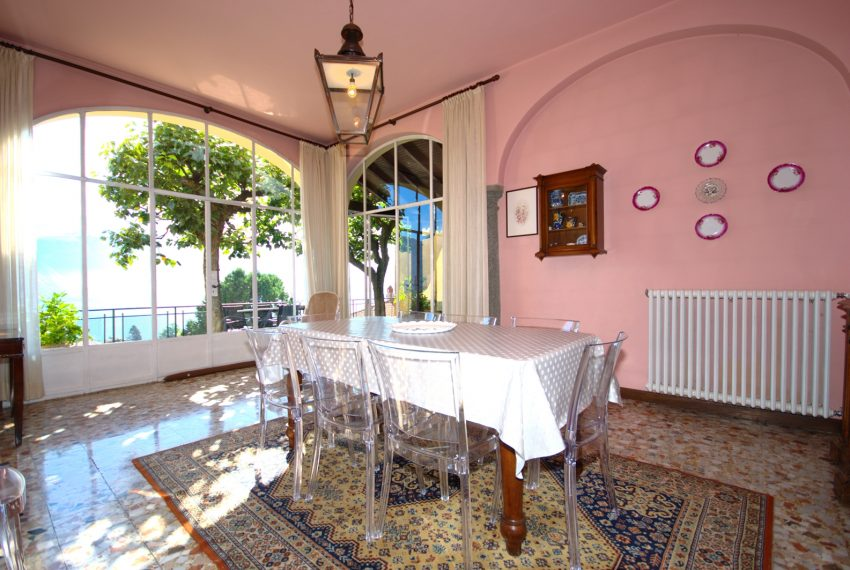 menaggio historical villa close to the centre, with garden terrace, lake view and parking spaces (7)