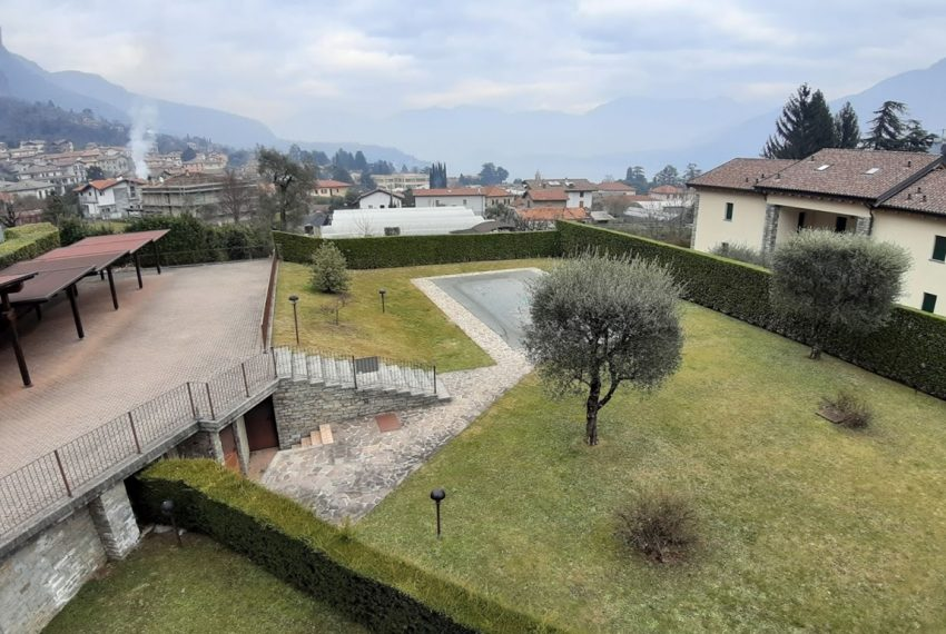 Lake Como lenno large apartment in residence with swimming pool and lake view (2)