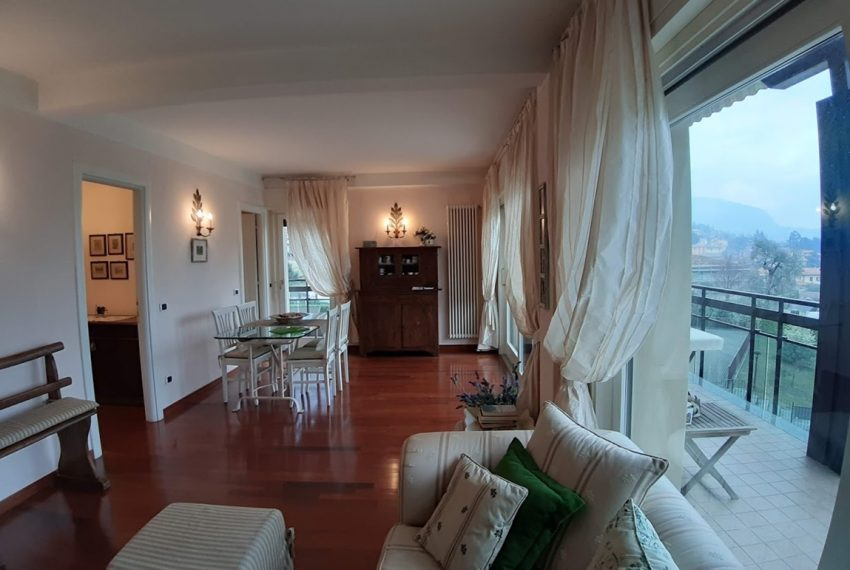 Lake Como lenno large apartment in residence with swimming pool and lake view (4)