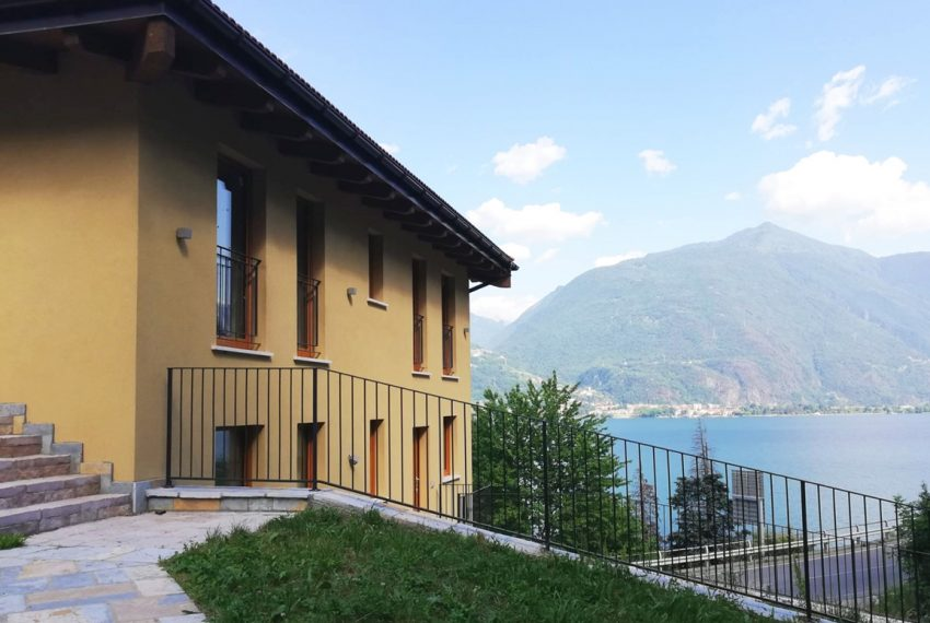 lake Como brand new penthouse with pool, private garden, garage and lake view. 100 mt from the beach (2)