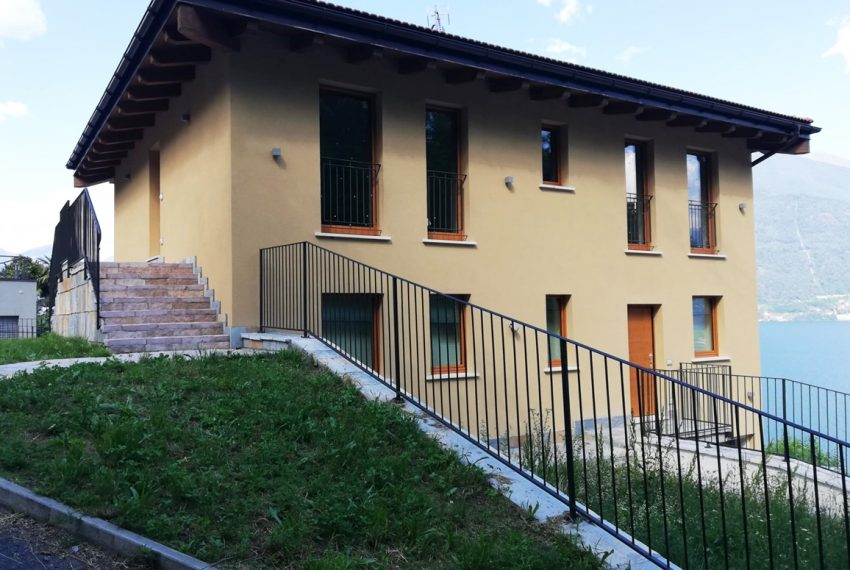 lake Como brand new penthouse with pool, private garden, garage and lake view. 100 mt from the beach (5)
