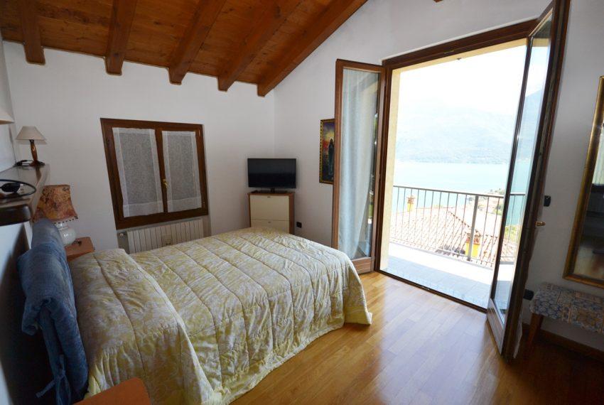 Lake Como Gravedona house with garden and lake view (10)