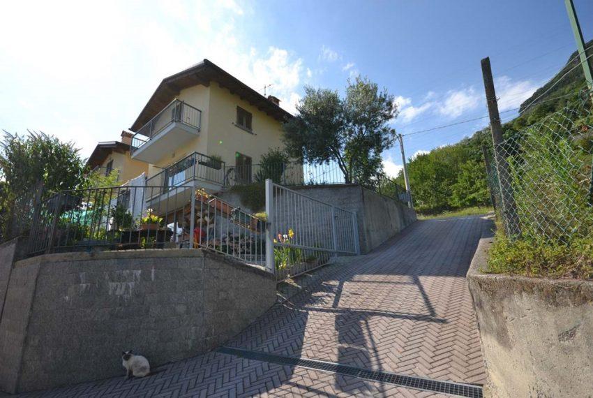 Lake Como Gravedona house with garden and lake view (11)