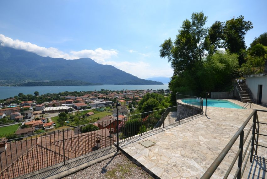 Lake Como Vercana apartment in residence with pool and large lake vie wterrace (10)