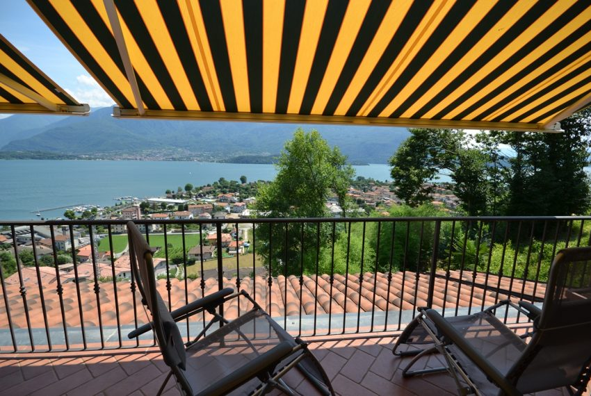 Lake Como Vercana apartment in residence with pool and large lake vie wterrace (13)