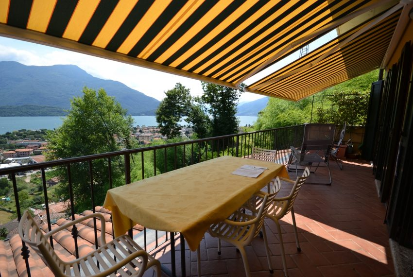 Lake Como Vercana apartment in residence with pool and large lake vie wterrace (2)
