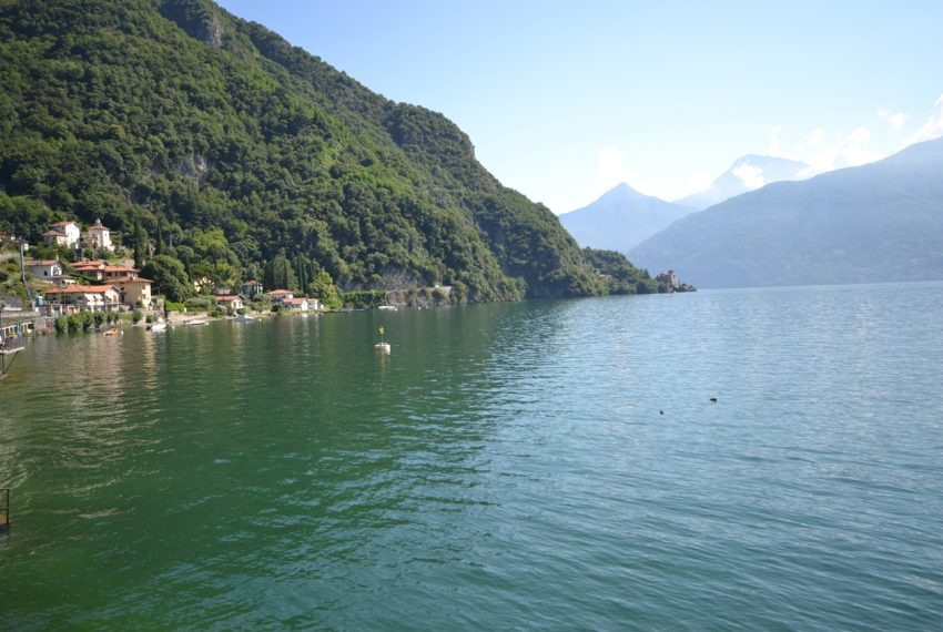 Menaggio Lake Como. Lake front apartment with balcony, parking space, lake view (2)