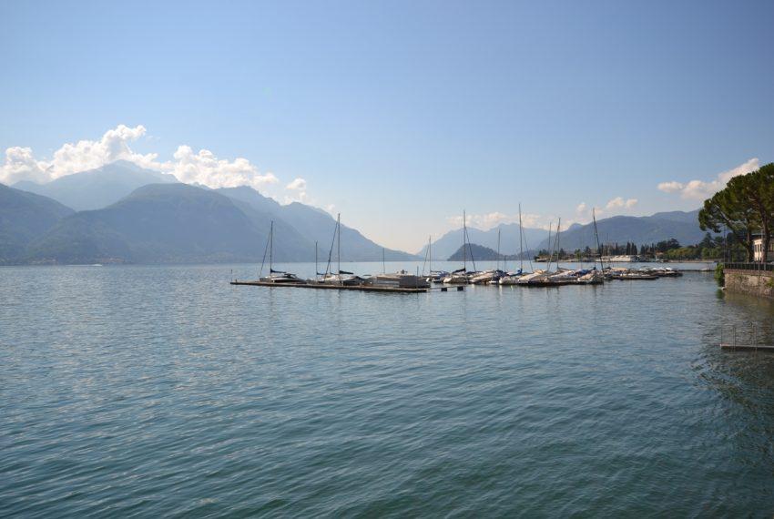Menaggio Lake Como. Lake front apartment with balcony, parking space, lake view (3)