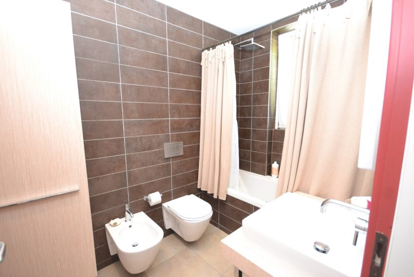 Menaggio hillside, apartament in residence with pool and lake view (12)