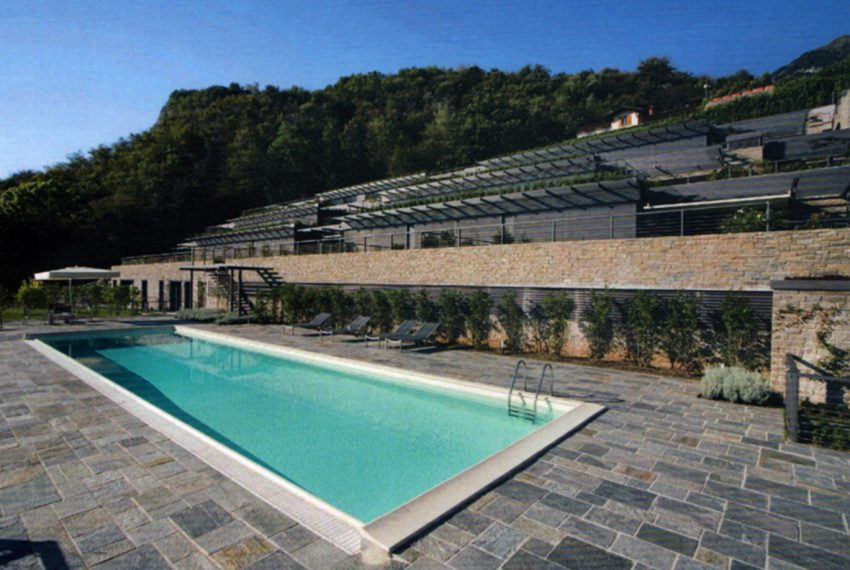 Menaggio large apartment in exclusive residence with pool (2)