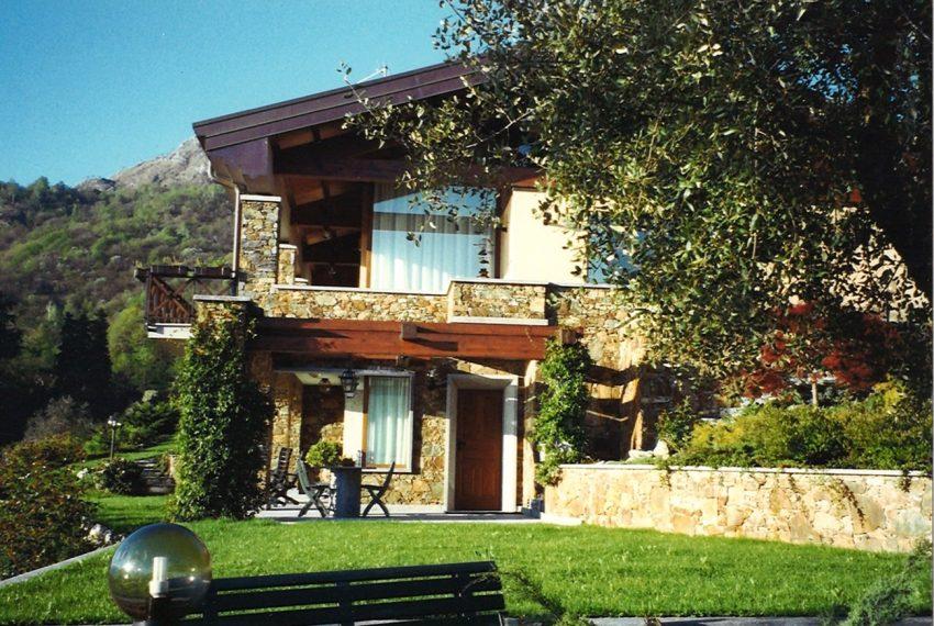 Menaggio villa with amazing lake view (15)