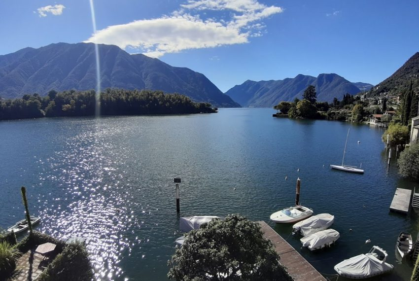 Lake Como Ossuccio penthouse with direct access to the lake (13)