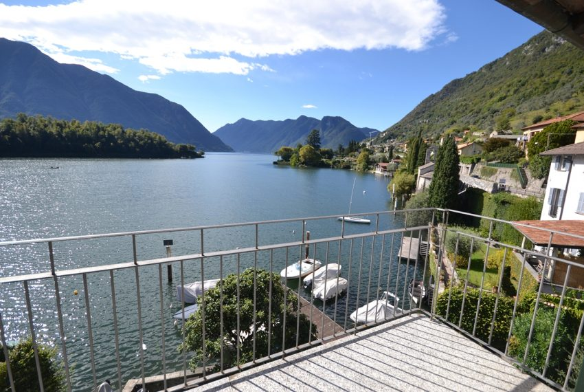 Lake Como Ossuccio penthouse with direct access to the lake (3)