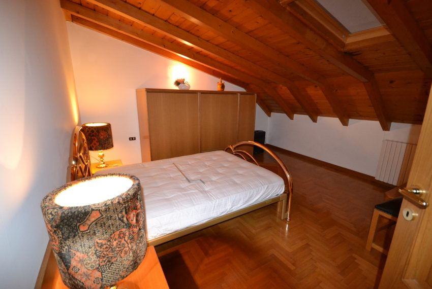 Lake Como Ossuccio penthouse with direct access to the lake (9)