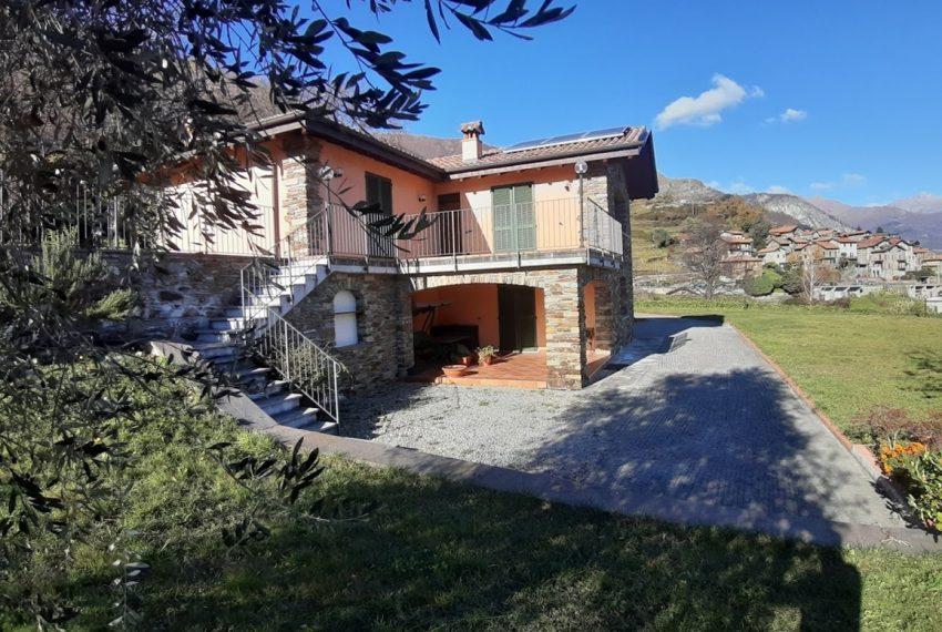 Villa indipendente con terreno e vista lago - Lago di Como Pianello del Lario (2)