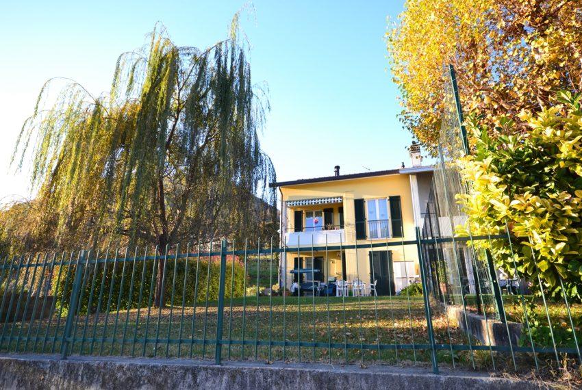 Domaso apartment close to the center with garage, cella and small garden (6)
