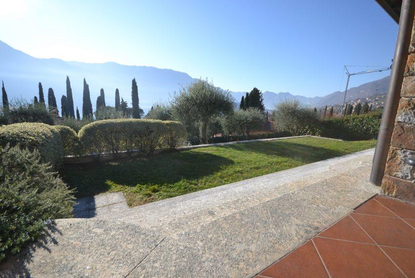 Lake Como tremezza villa for sale with garden and pool (14)
