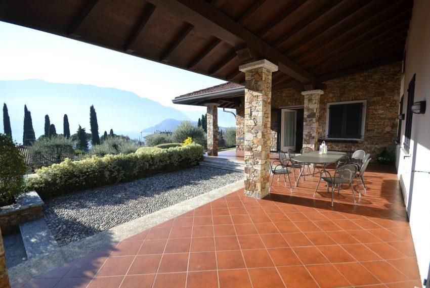 Lake Como tremezza villa for sale with garden and pool (15)