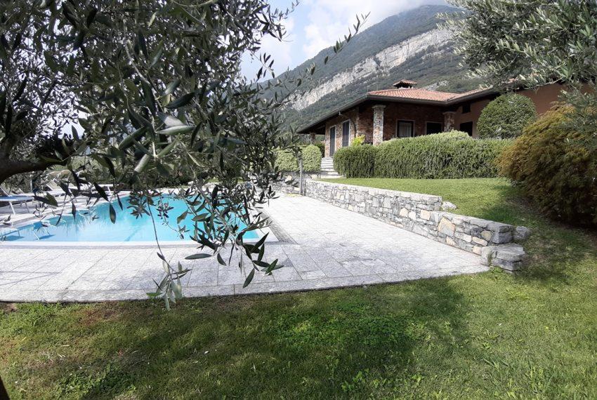 Lake Como tremezza villa for sale with garden and pool (16)