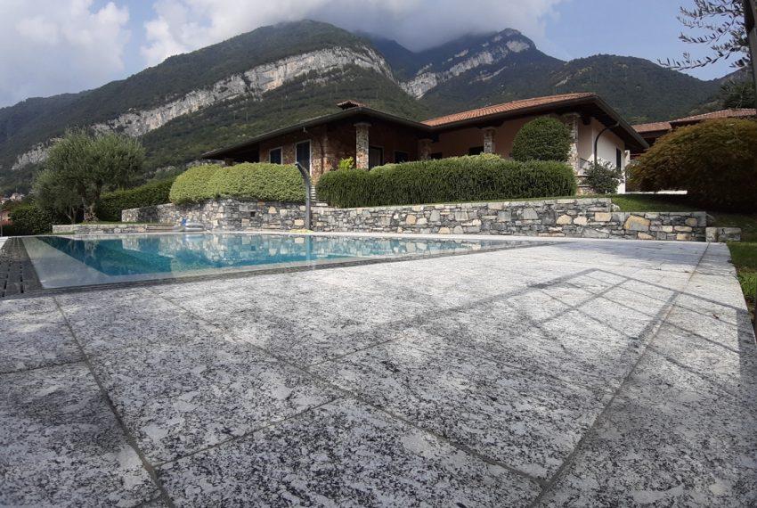 Lake Como tremezza villa for sale with garden and pool (17)