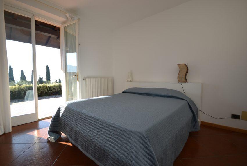 Lake Como tremezza villa for sale with garden and pool (23)