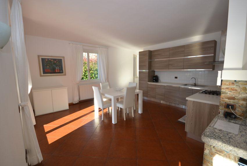 Lake Como tremezza villa for sale with garden and pool (28)