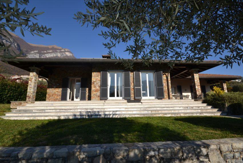 Lake Como tremezza villa for sale with garden and pool (7)