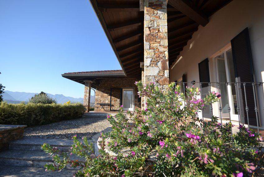 Lake Como tremezza villa for sale with garden and pool (9)
