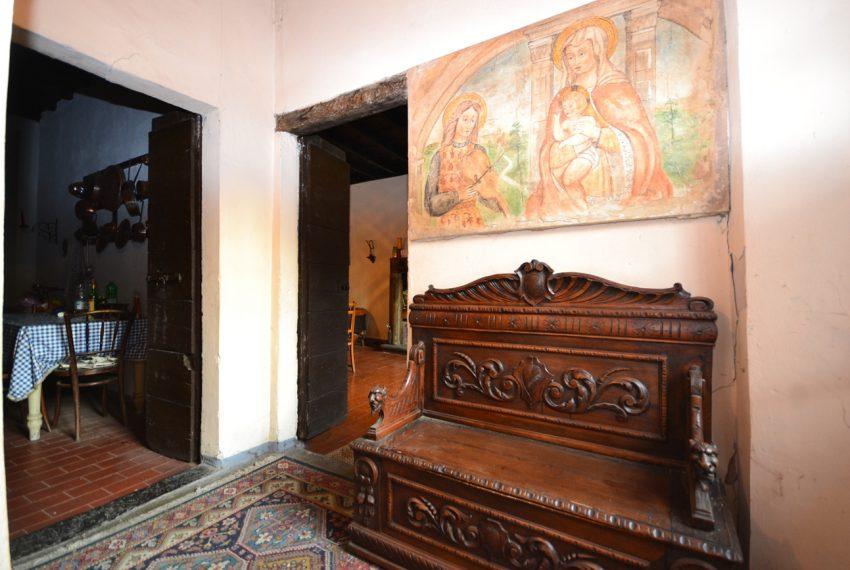 Lake Como tremezzina Lenno stone house in historic centre (15)