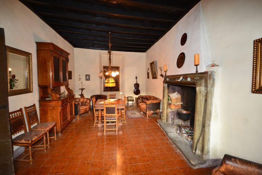 Lake Como tremezzina Lenno stone house in historic centre (2)
