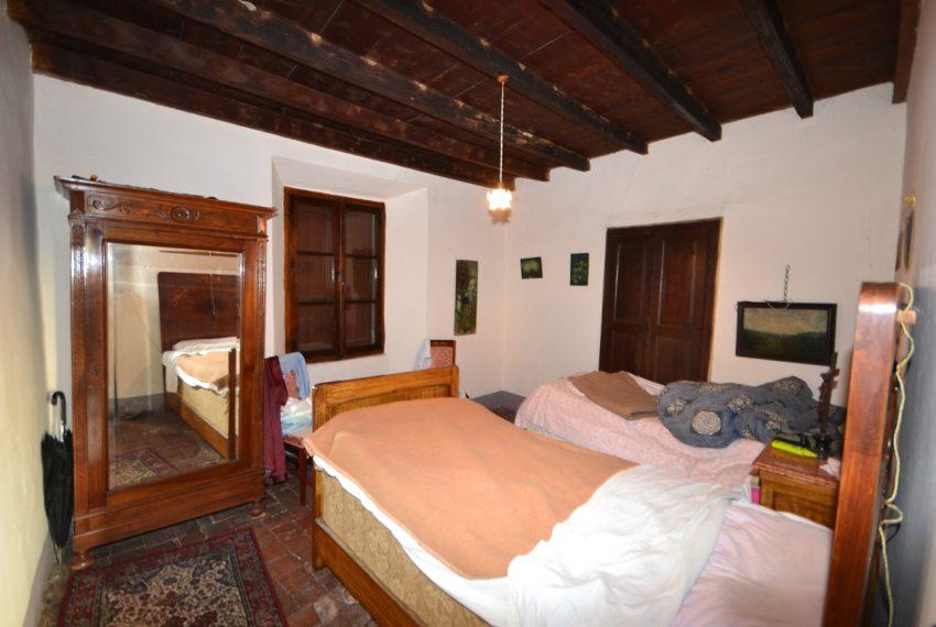 Lake Como tremezzina Lenno stone house in historic centre (4)