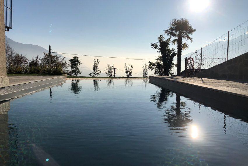 Vercana brand new modern villa with garden and pool (5)