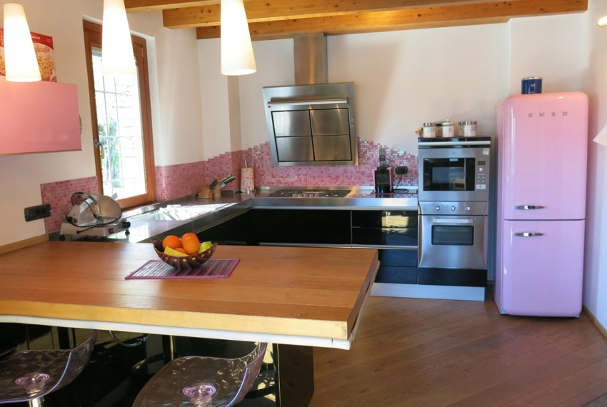LAKE COMO stone villa for sale with garden, pool, garage and amazing view (19)