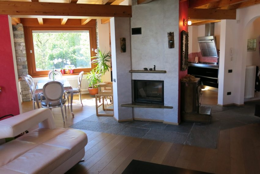 LAKE COMO stone villa for sale with garden, pool, garage and amazing view (20)