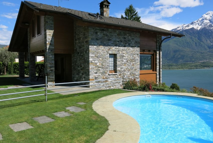 LAKE COMO stone villa for sale with garden, pool, garage and amazing view (22)