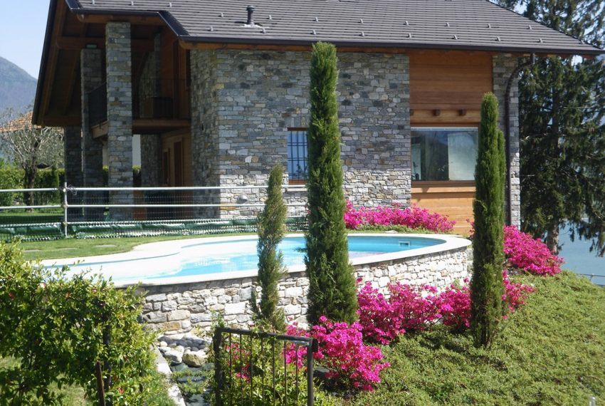 LAKE COMO stone villa for sale with garden, pool, garage and amazing view (23)