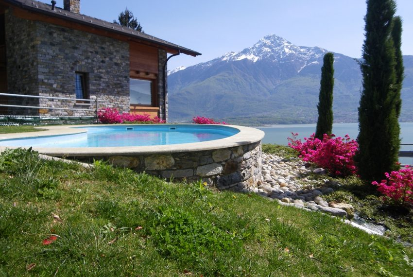 LAKE COMO stone villa for sale with garden, pool, garage and amazing view (24)