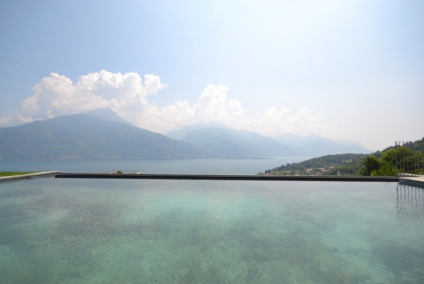 Lake Como apartment in residence with pool. Private parking, garden and lake view (11)