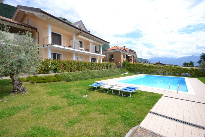 Lenno apartment in residence with poll and parking space. Close to all amenities (14)