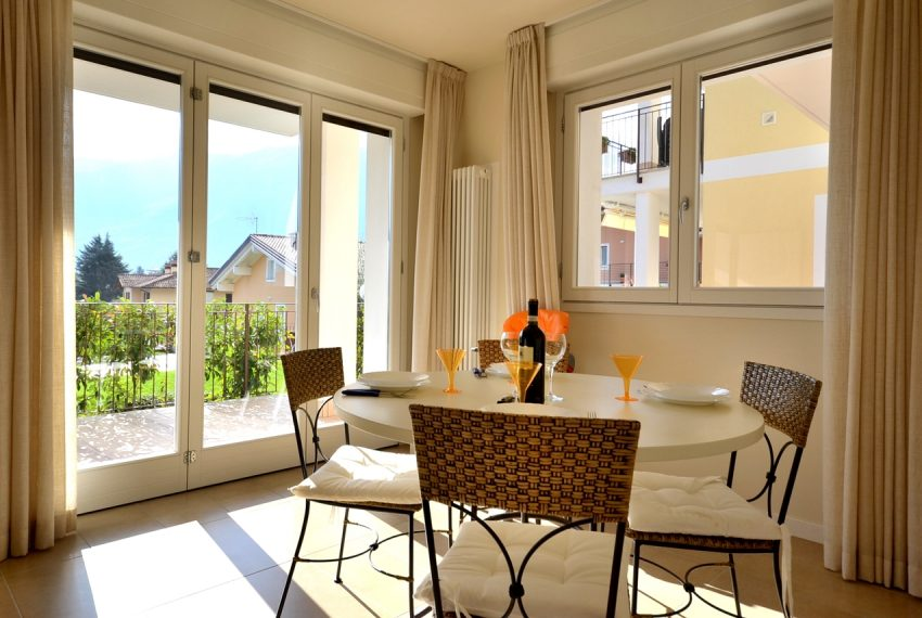 Lenno apartment in residence with poll and parking space. Close to all amenities (3)