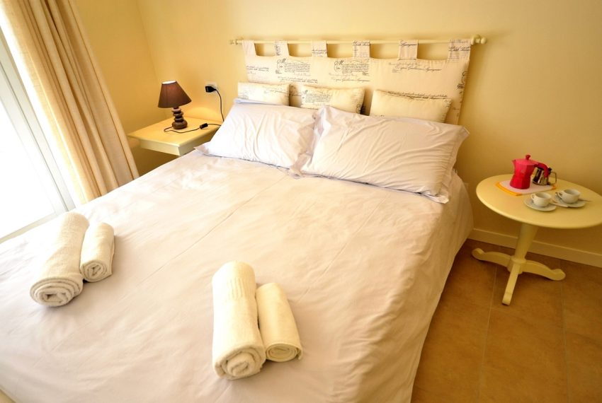 Lenno apartment in residence with poll and parking space. Close to all amenities (5)