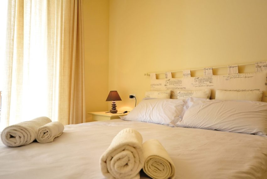 Lenno apartment in residence with poll and parking space. Close to all amenities (6)