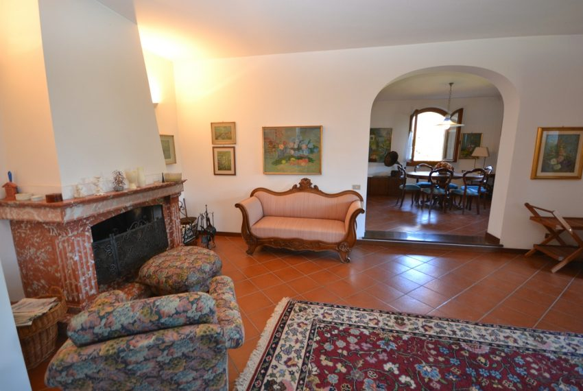 Menaggio detached villa with garden and garage (7)