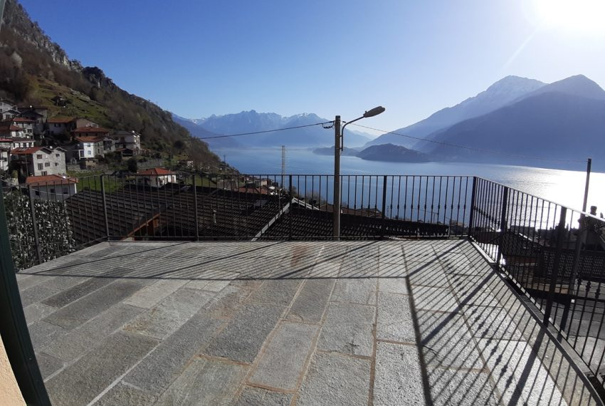 Musso brand new house dominating the lake - Lake Como (4)